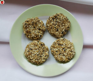 2-ingredient banana sesame cookies