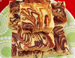 4-Ingredient Peanut Butter Chocolate Fudge