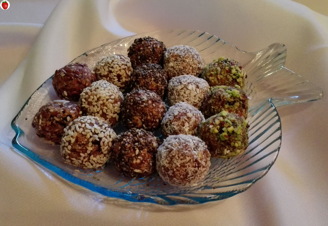 nutty raw vegan chocolate balls