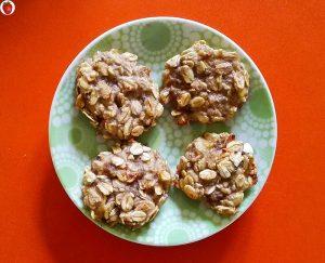delicious 2-ingredient banana oat cookies