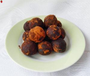 3-Ingredient Decadent Chocolate Truffles