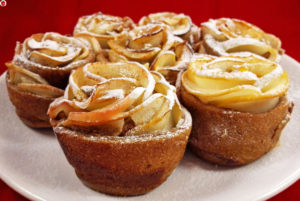 Vegan Baked Apple Roses For Valentine's Day